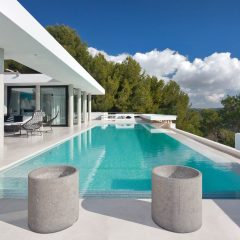 Beautiful infinity pool in Ibiza