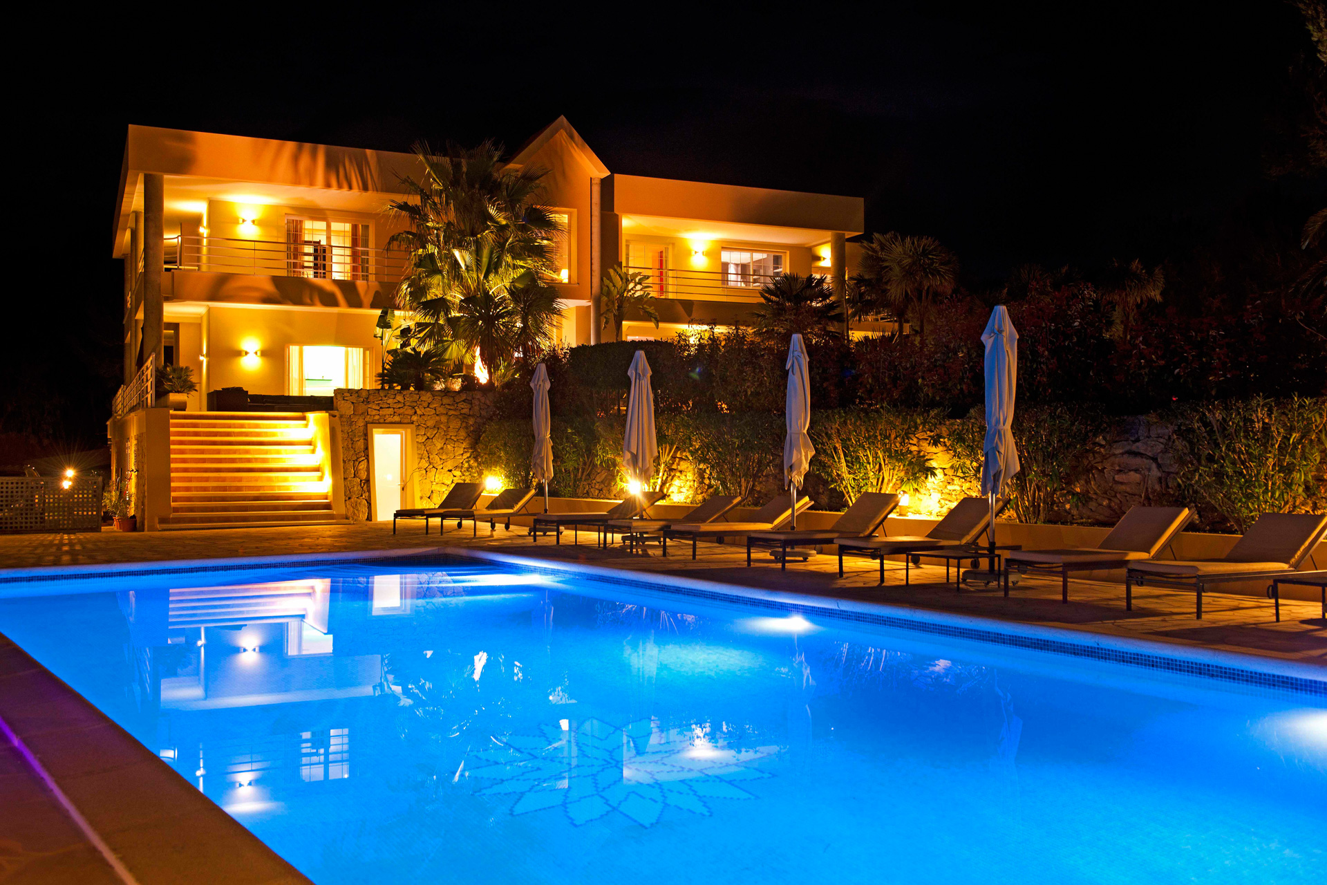 San Rafael Ibiza villa at night to rent