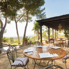 Outdoor Dining Area Santa Gertrudis Ibiza Villa to rent