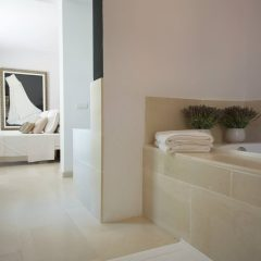 Bathroom with stunning interior to rent in Ibiza
