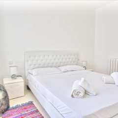 White bedroom in Villa in Ibiza to rent