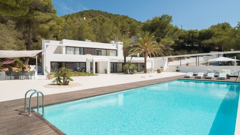 Outstanding Villa in Cala Tarida 2017 to rent