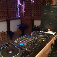 DJ equipment in Villa